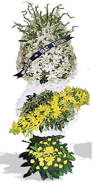 Beyaz , sarı lilyum ve glavur den oluşan 3 lü Düğün açılş çiçeği 220x150cm