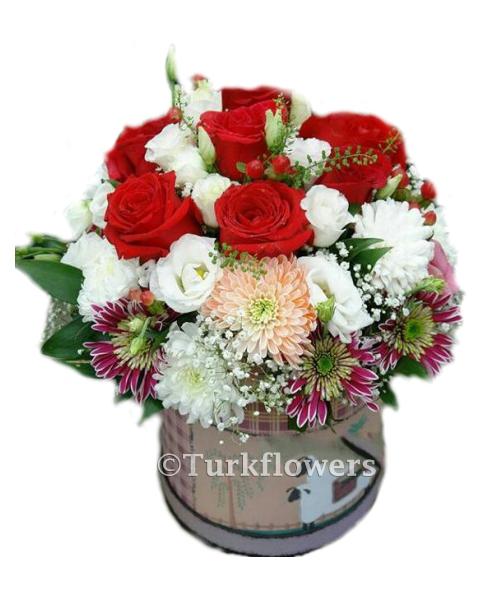Kutuda Gül ve Mevsim çiçekleri