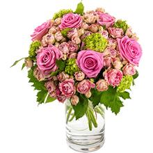Pembe gül ve çardak Güllerden Oluşan buket