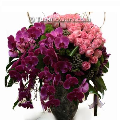 Orkide ve Güllerden oluşan Nışan çiçeği