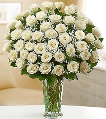 Vazo içerisinde 50 uzun Saplı Beyaz Gül