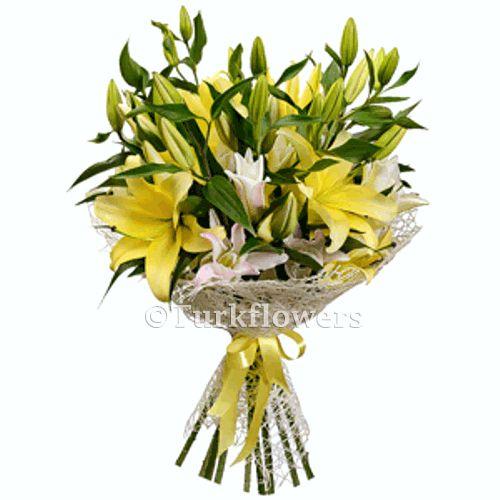 9 sarı Beyaz Lilyum Buketi