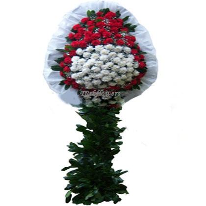 kırmızı beyaz çiçeklerden oluşan açılış düğün çiçeği