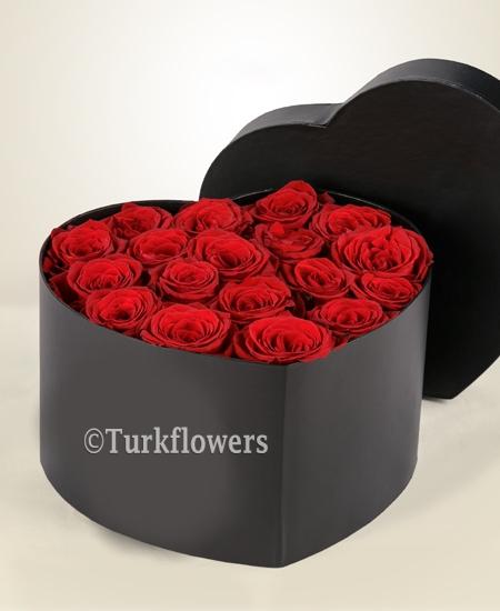 Kalp Kutuda Kırmızı Güller Tiran