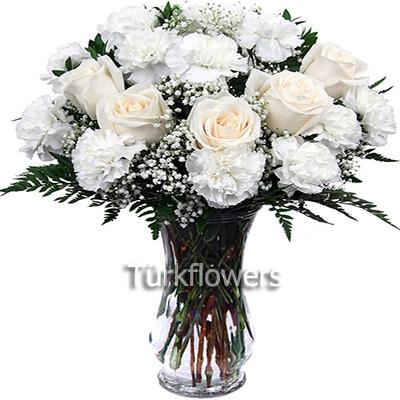 Karanfiller ve Beyaz güller