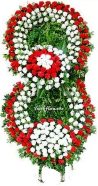 Karanfillerden oluşan iki Göbekli cenaze çelengi