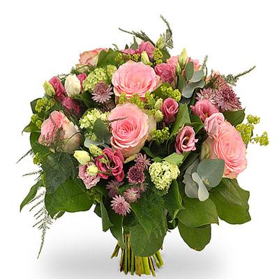 Pembe gül ve pembe çiçeklerden oluşan buket