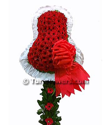 Kırmızı renkli çiçeklerden oluşan Açılış düğün çiçeği