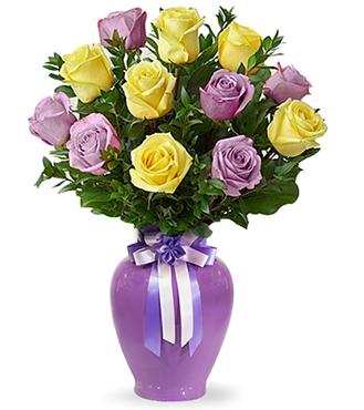 Vazo içerisinde 8 Sarı 8 Mor Gül