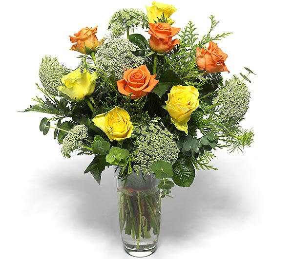 11 Adet Renkli Gülden Oluşan Vazo aranjman