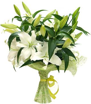 Lilyum Çiçeklerinden Oluşan Buket