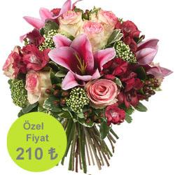 Lilyum ve Pembe Güllerden Oluşan Buket