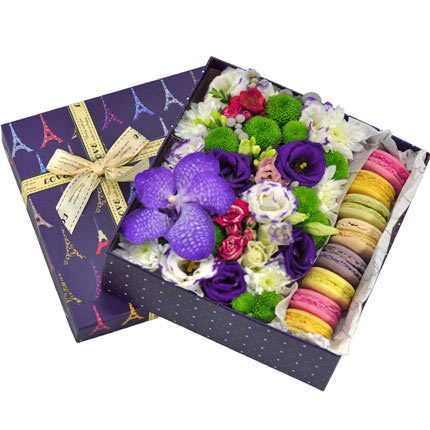 Makaron ve çiçekler
