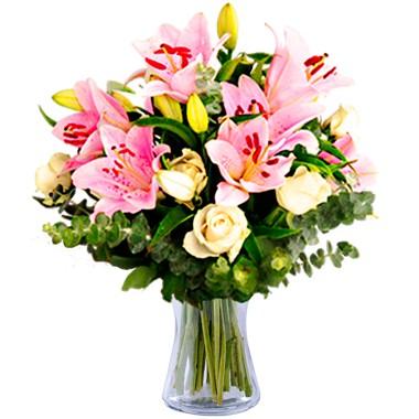 Pembe lilyum ve Beyaz güller