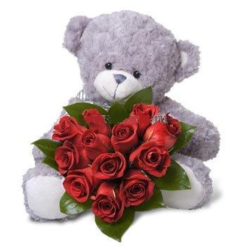 Ayıcık kucağında 11 adet kırmızı güller